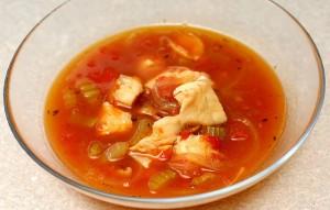 Суп из трески с луком-пореем