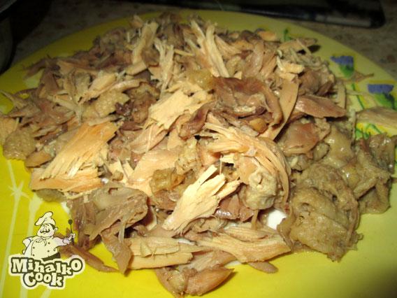 Отделяем куриное мясо от костей