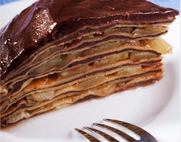 Торт из блинов с яблоками и шоколадным кремом — блюдо на Масленицу
