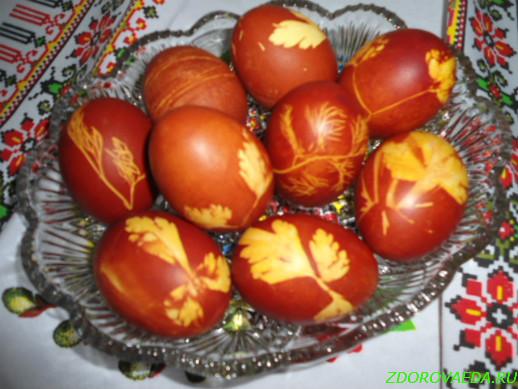 Как красить яйца на Пасху шелухой лука
