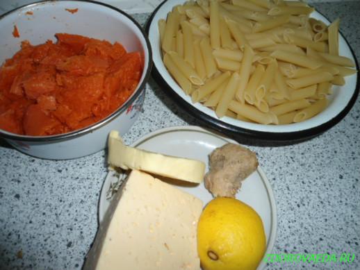 Макароны с соусом из тыквы