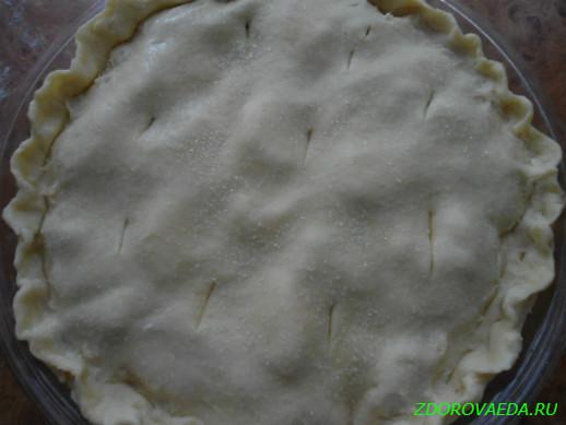 Рецепт закрытого пирога с яблоками и смородиной