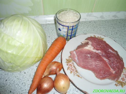 Ингредиенты для приготовления риса с капустой и мясом