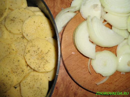 Картофель запеченный с овощами