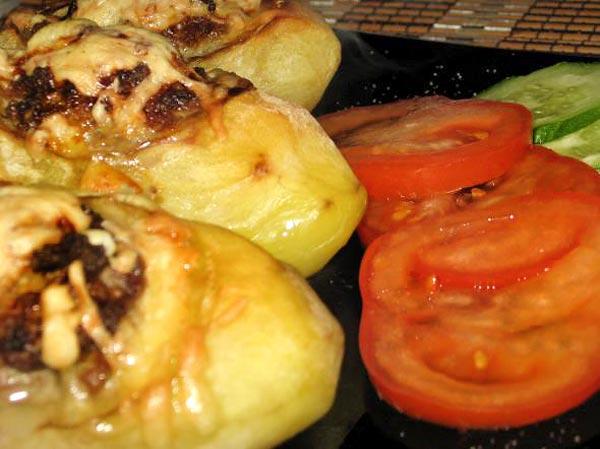Башмачки - запечёная картошка с мясным фаршем