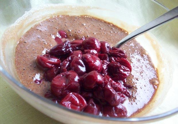 Крамбл рецепт - вишневый крамбл, крамбл с вишней - вишня в шоколаде