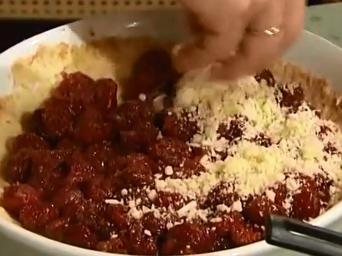 Пирог с вишней от Елены Чекаловой - крамбл