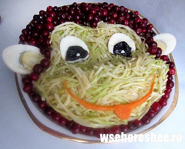 Салат из свежей белокочанной капусты - обезьянка