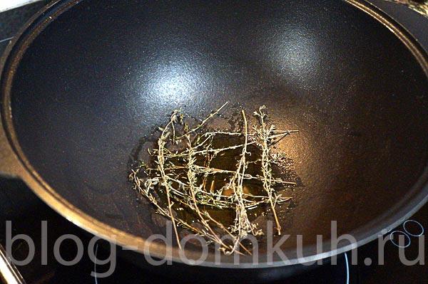 Говяжьи голяшки, тушенные с тимьяном и сельдереем