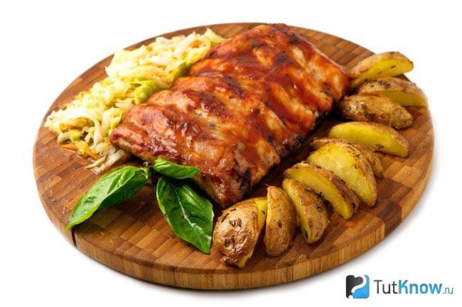 Свиные ребра с картошкой