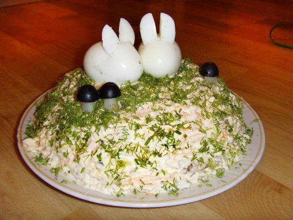 Зайчики из фаршированных яиц