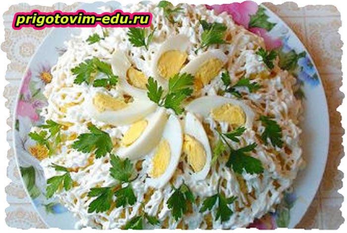 Салаты рецепты простые и вкусные слоеные с крабовыми палочками