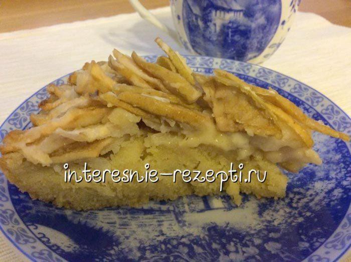 Открытый пирог с яблоком на песочном тесте