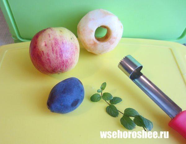 Яблочное пюре в мультиварке на зиму - чистим яблоки