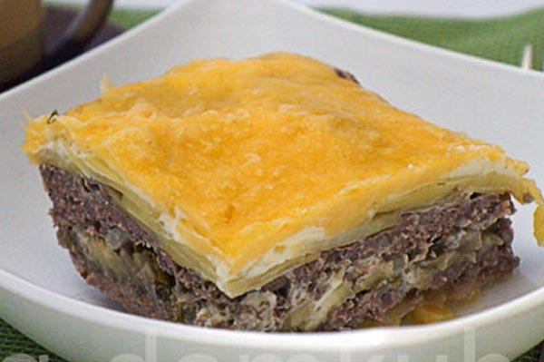 Запеканка мясная с баклажанами и картофелем
