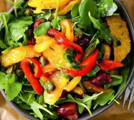 Вкусный салат из печеных перцев с анчоусами