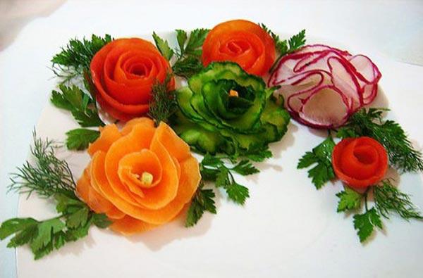Как делать розы из помидоров